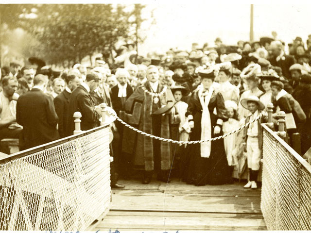 Mayor of Congleton opening a bridge 1910