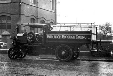 Foden: Four ton standard tipper with water tank