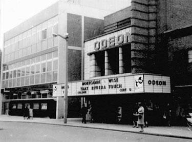 Crewe: Odeon Cinema in Market Square