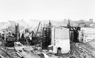 Manchester Ship Canal: Construction of Eastham Locks