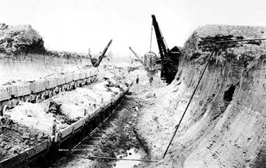 Manchester Ship Canal: Work at Frodsham Marsh