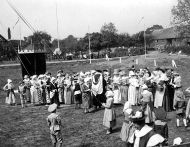Odd Rode: Pageant at Little Moreton Hall
