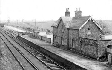 Whitegate: Whitegate Station