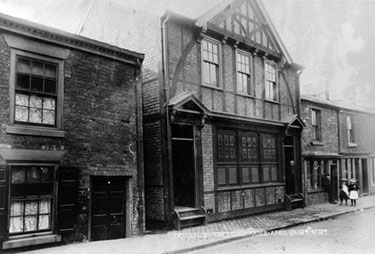 Northwich: Foresters Arms, Witton Street