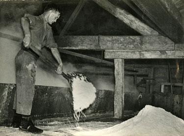 Winsford: Thomas Dunning skimming salt from the pan