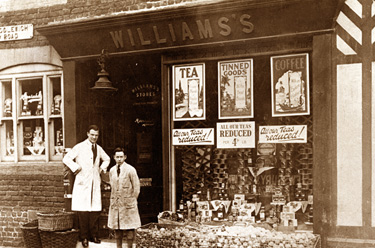 Holmes Chapel: Williams grocery shop, Middlewich Road