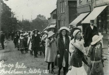 Frodsham: Co-op Gala procession, Church Street