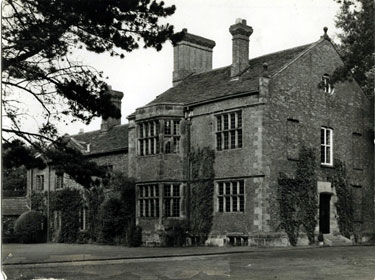 Knutsford: Mobberley Old Hall, Mobberley