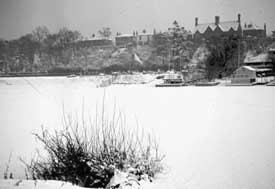 Chester, River Dee Frozen